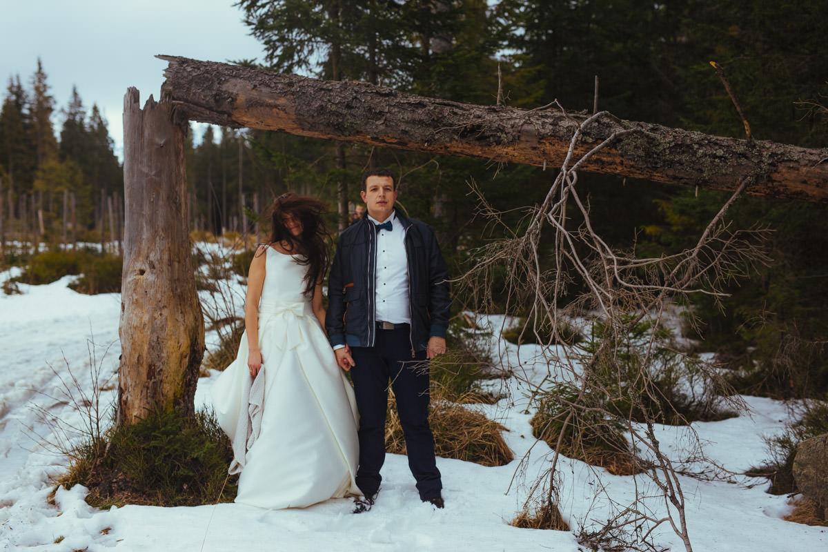 zimowa sesja ślubna na rusinowej polanie w tatrach