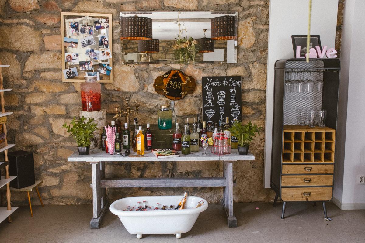 stół alkoholowy na ślub