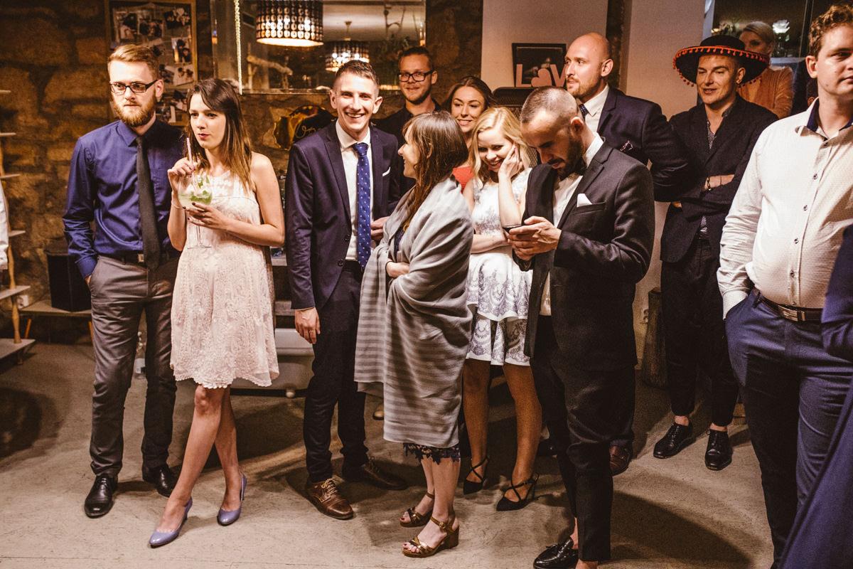 wesele w starej zajezdni