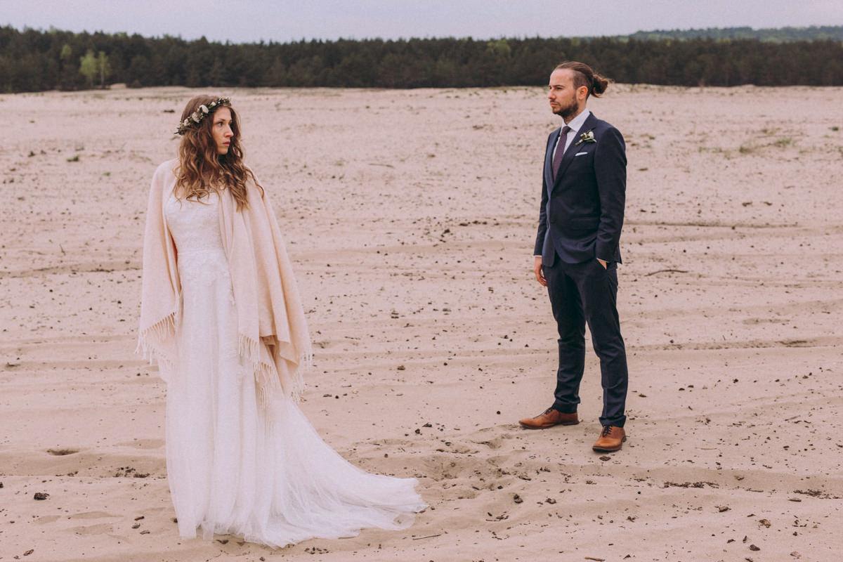 zdjęcia ślubne na pustyni błędowskiej, plener ślubny kraków, ślub w krakowie, sesja plenerowa, zdjęcia ślubne warszwa, plener ślubny na pustyni błędowskiej