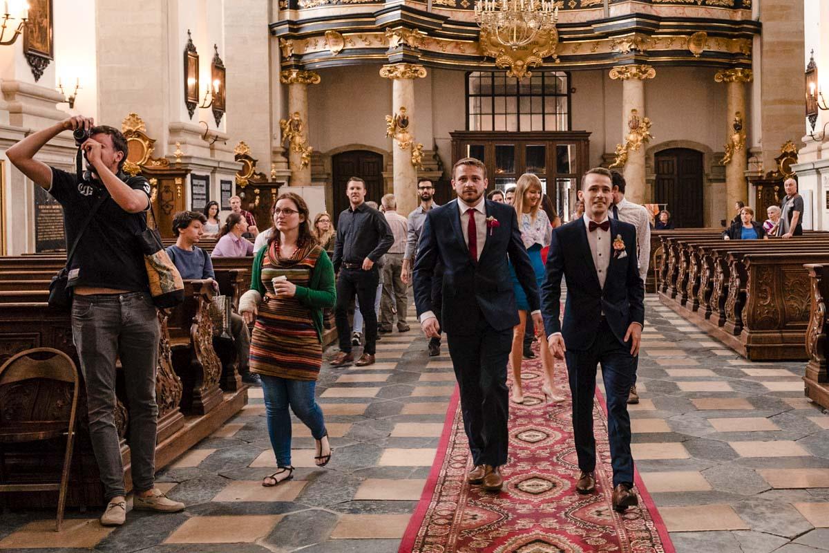 wejście do kościoła piotra i pawła