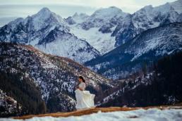 Zimowa sesja ślubna w Tatrach na Rusinowej Polanie