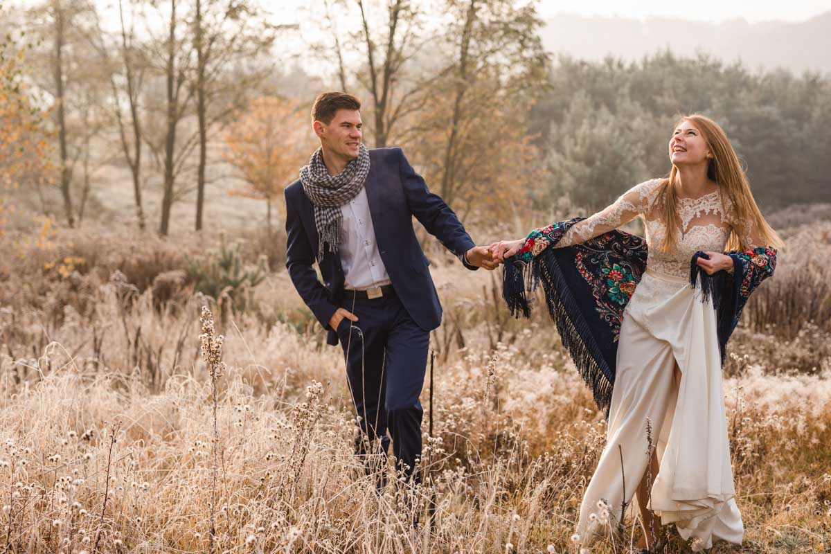 plener ślubny o poranku