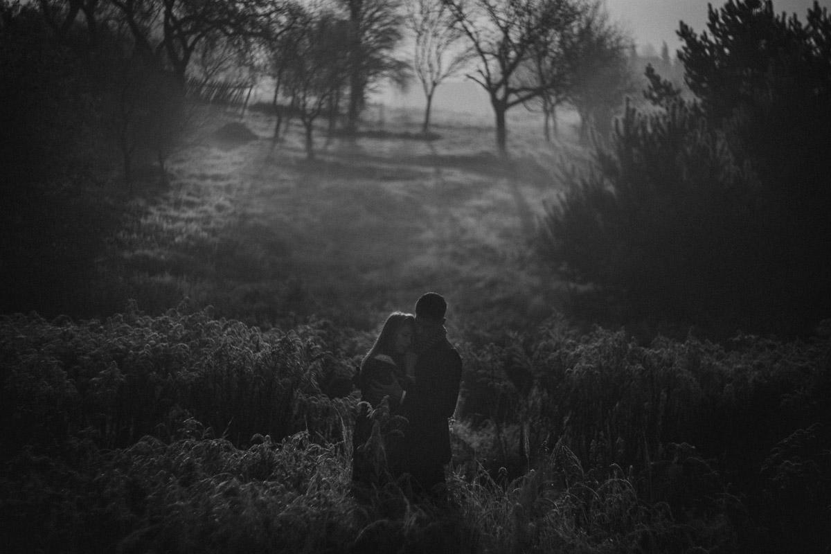plener ślubny o wschodzie słońca