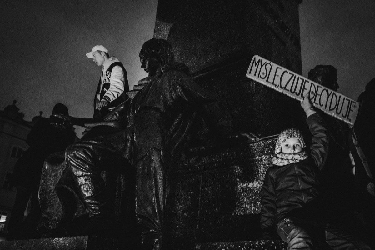 pomnik adama mickiewica w krakowie