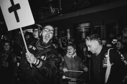 czarny protest 3002 uai
